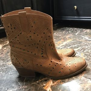 Reba boots with turquoise lining